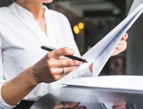 Aplicar las medidas aprobadas: registro de jornada diaria, planes de igualdad y registro salarial.